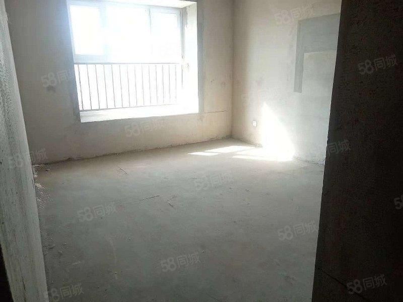 紫御城,4200多一平,大�a�嗳�室可�J款,�H售40多�f