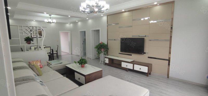 体育场  桂湾市场旁丶好房子116平米 全新装修四室两