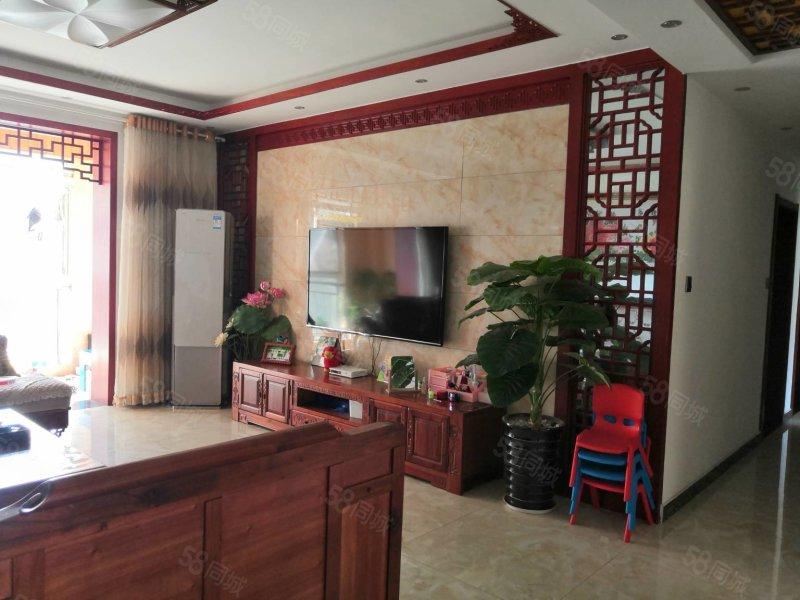 壹号城邦3期7楼精装4室2厅2卫户型方正南北通透 带家具家电