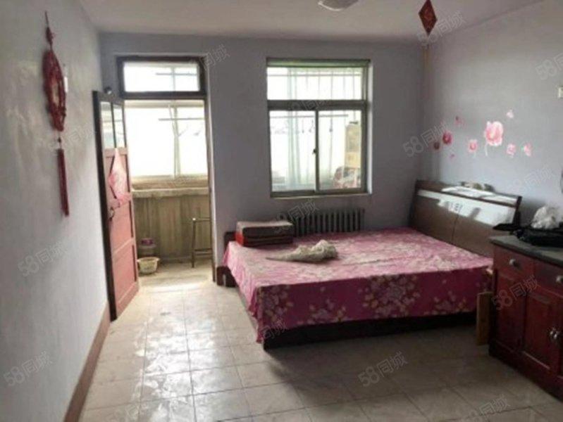 北园小区3室,4楼,6平储。