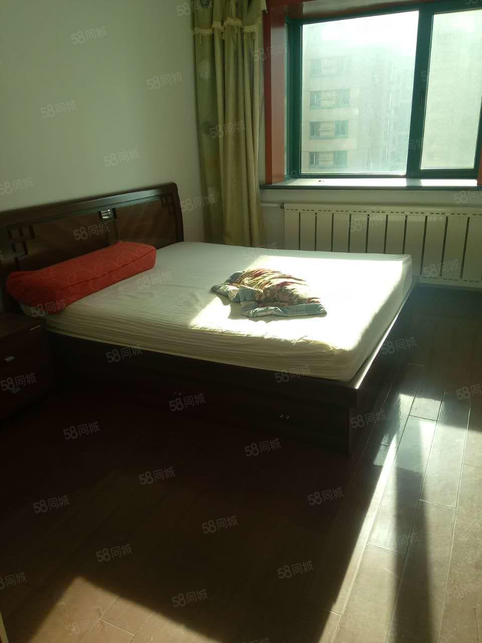 万通公寓两室一厅精装修包取暖物业