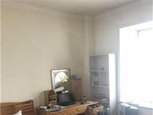 冠亚星城性价比高的一套2室房子房东急售精装71万