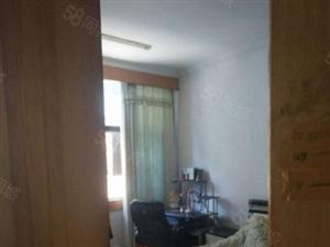 威龙小区两室两厅三证齐全