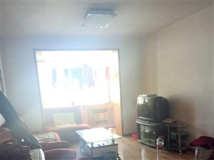 新民路宏大广场旁正泰一期60平精装两室一厅家具家电齐全