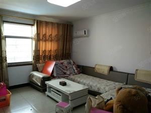 三房两厅两卫双证齐全精装修带家电拎包入住赠送15平方杂物间