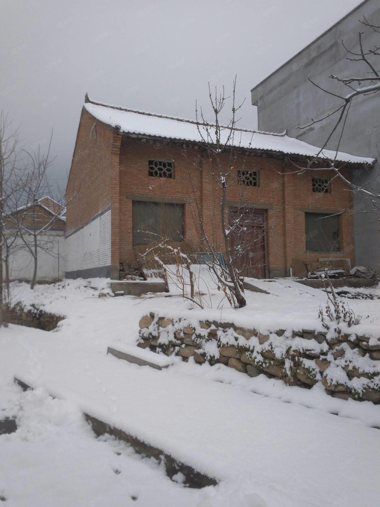 农村老院子,特低价出售。