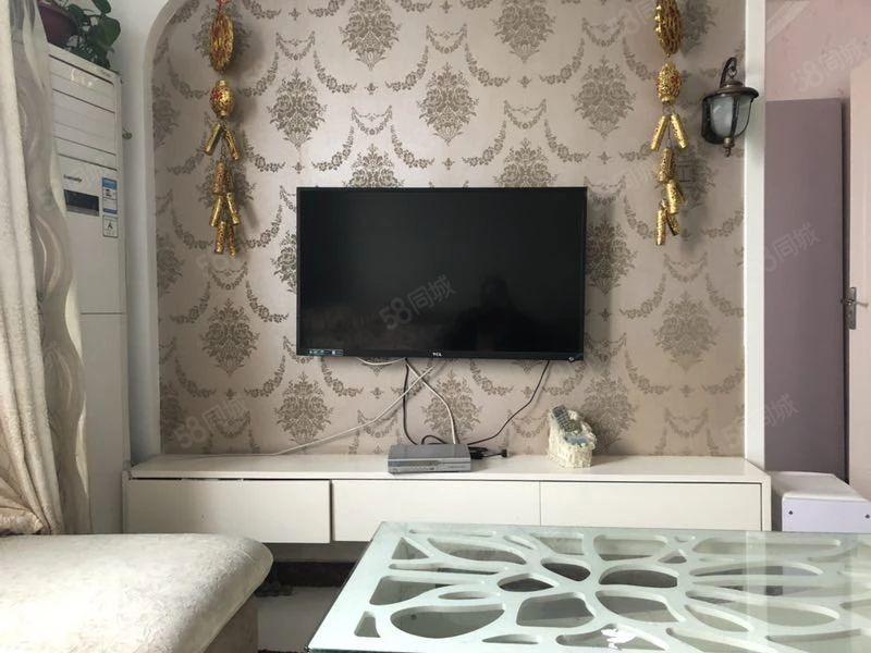 金润家园转租8个月7500,包暖气费,精装一室一厅。