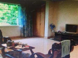 三楼四室二厅二卫中装房出售