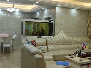 东环小区套房,产权面积131平米,3房2厅2卫,交通方便。