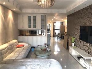 港龙财智国际精装两室,家电齐全,干净清爽,拎包入住,可月付