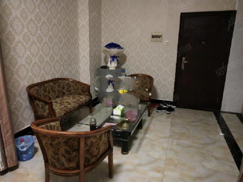 �{天公寓好房出租�物方便停�方便。。