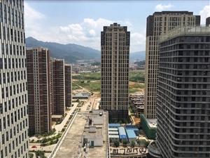 万达华城,住家装修2房,月租金2000