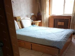 位于黄河路运吉小区2楼,二室一厅