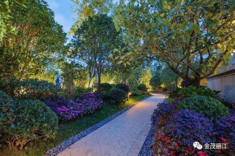 金茂谷镇央企开发丽江地标小区纳西风格合院独栋别墅特价170万