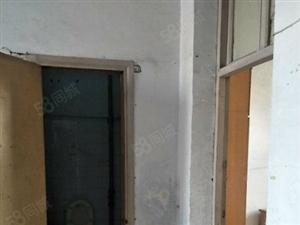 延安路明珠港附近农机校家属院间装有证南北通透院内可停车