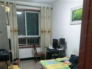 天成苑一室一厅带储藏室带简单家具1000元/月