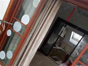 龙潭苑简装3房,家电齐全拎包入住欢迎看房