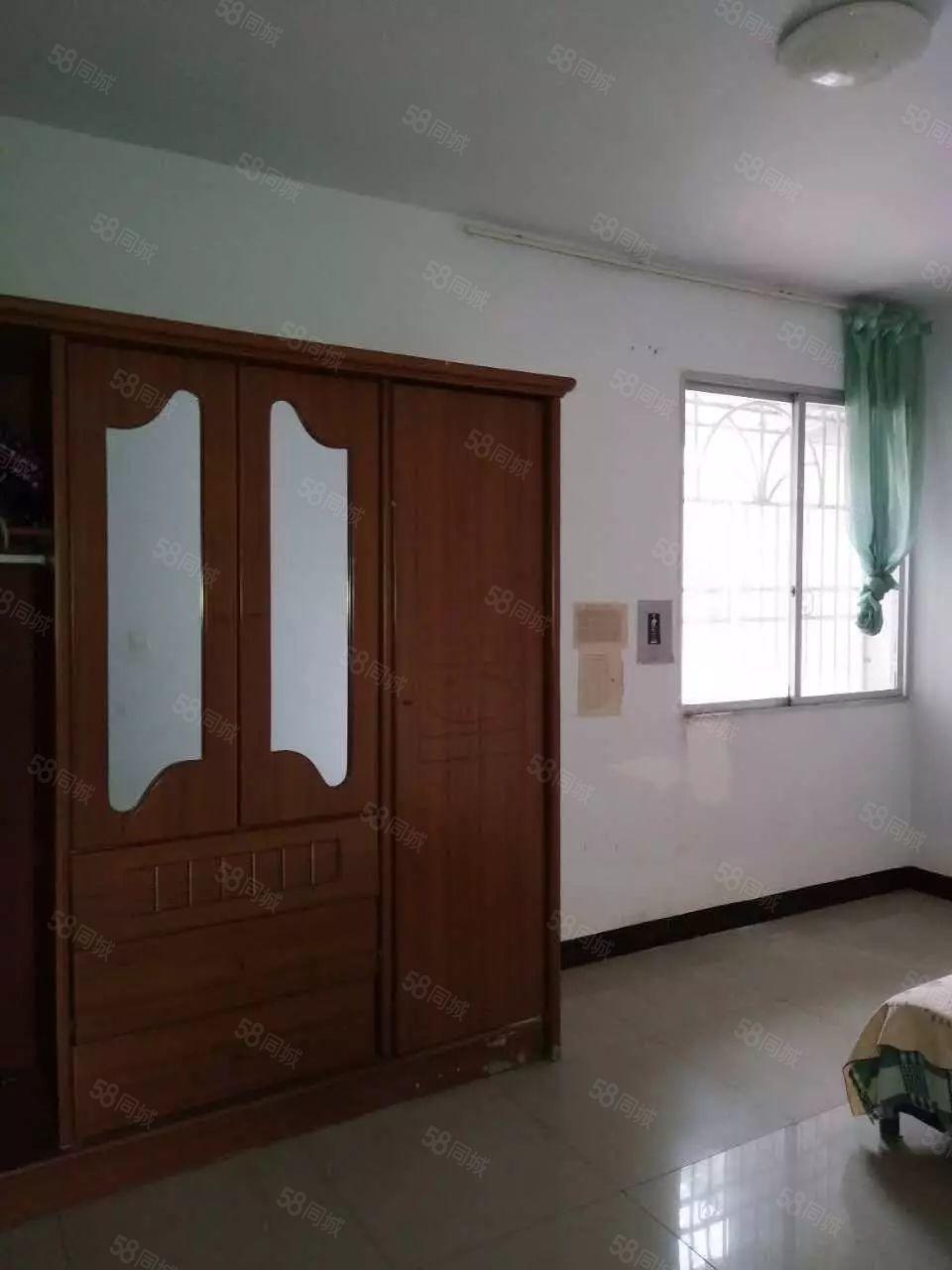 育才中学附近2室2厅2卫80平方