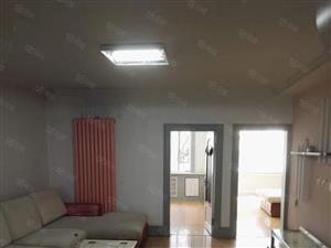 2室1厅1卫,面积97平米。南北通透,拎包入住。能贷款。一楼