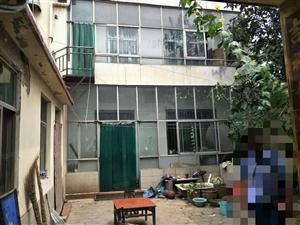 环保局独院上下两层三间地基有房产证房东急售