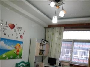 出租风味饮食城家具家电齐全拎包入住室内整洁干净