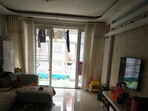 租东华花园110平+大车库精装3室两厅一卫家具家电齐全
