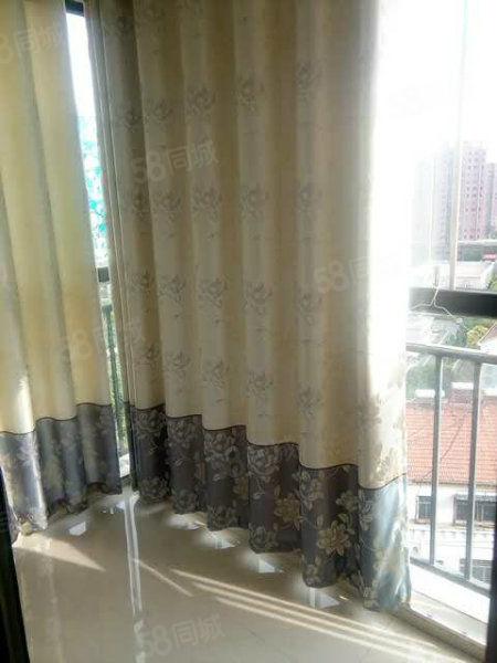 南城明珠好房急售!三室两厅双阳台117平双证齐全售46.5
