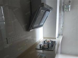 山水中央2室精装拎包住。可半年付。月租1500出路方便