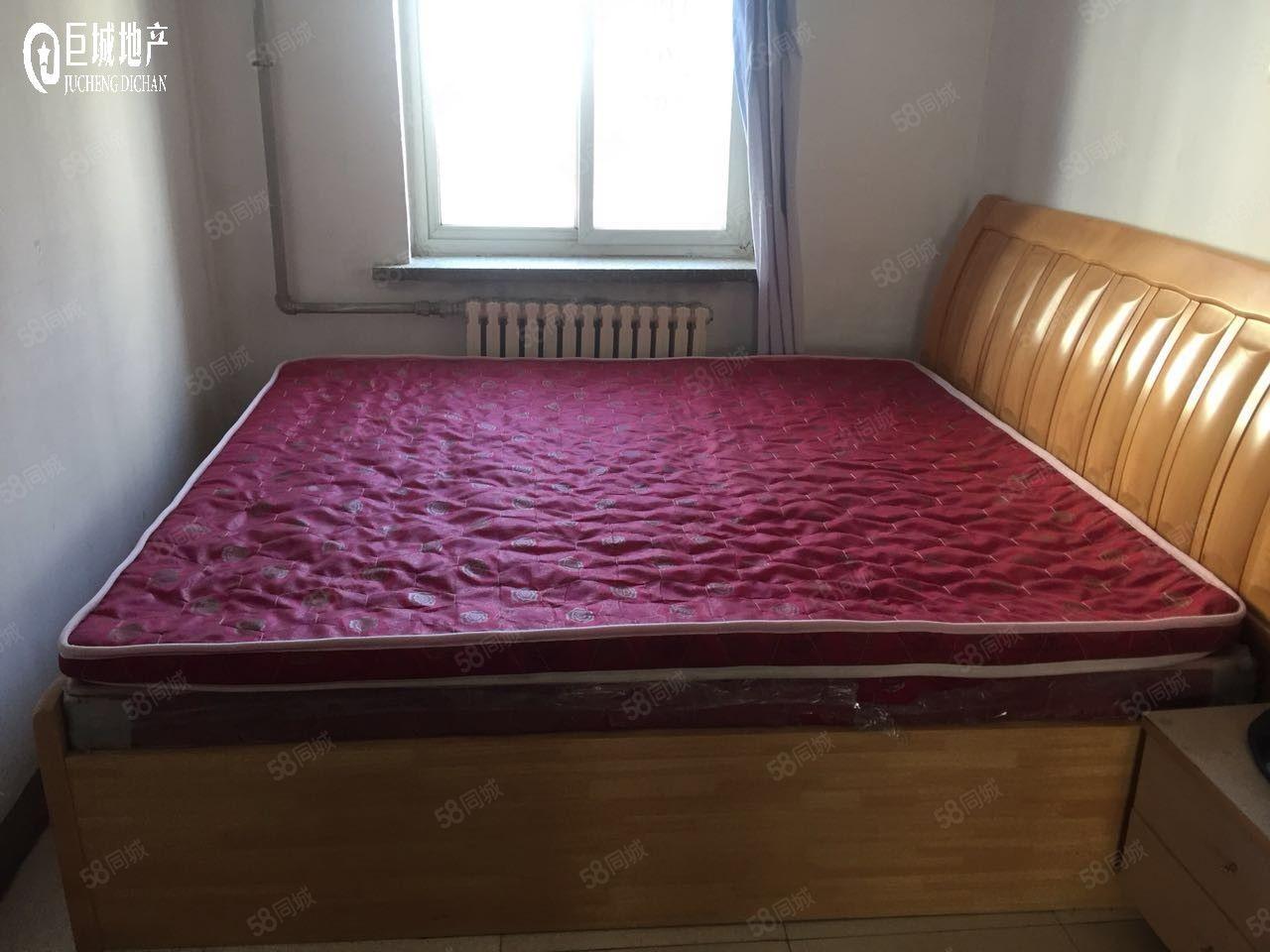 莲花小区800元2室2厅1卫中装,家电齐全,拎包入住