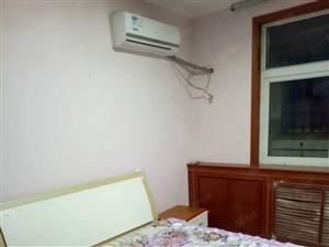胜利社区两室一厅三楼空调电视太阳能沙发床衣橱