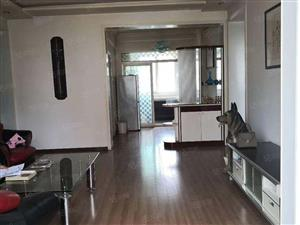 地建,两室两厅一卫。精装修,南北通透,带家具家电,可按揭。