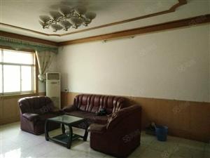 海晨国际附近二楼三房两厅双证齐全中等装修带家电家具急售40万