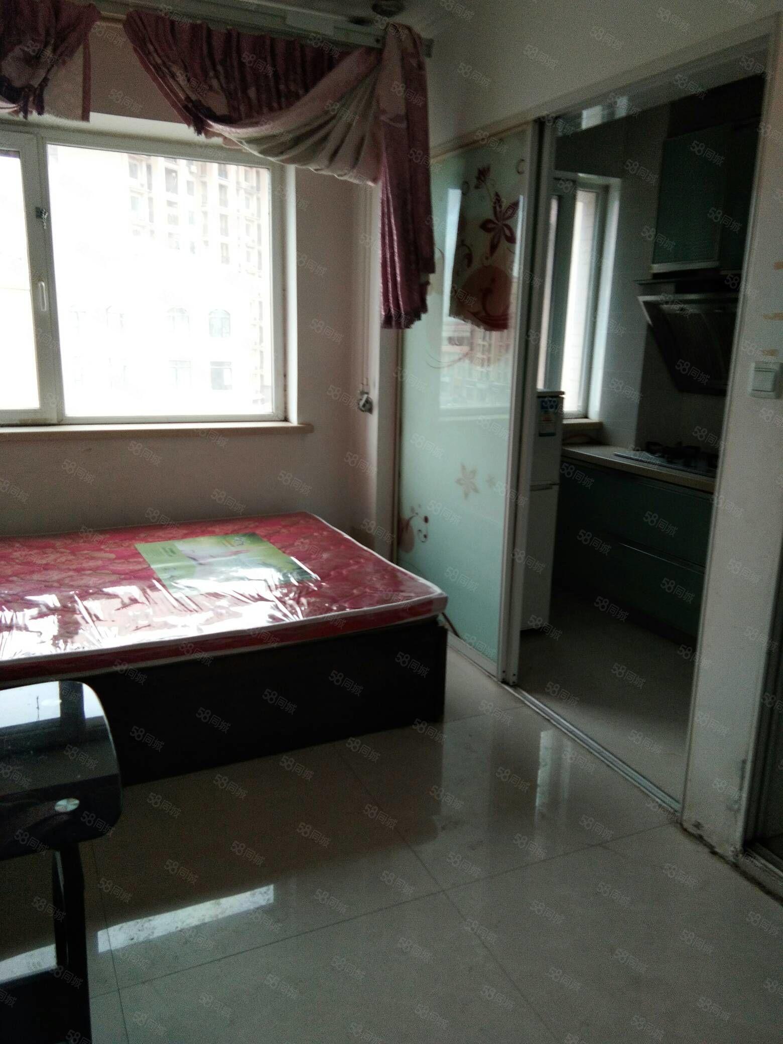 丽人公寓一室季付中装每月1000元包暖