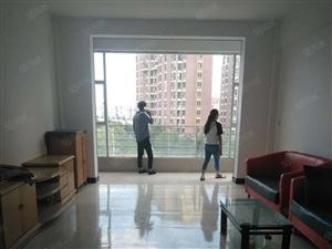 振兴路晓龙岛小区144平米3室2厅2卫装修好很不住人