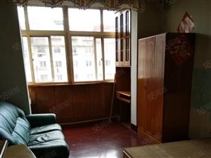 铁岭路套二厅1/7南北双气装修空调2台床2张彩电冰箱洗衣机