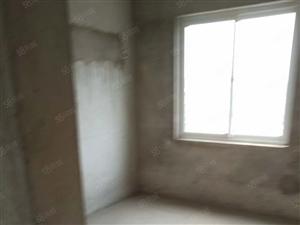 海棠南苑纯毛坯三室两厅楼层好性价比高
