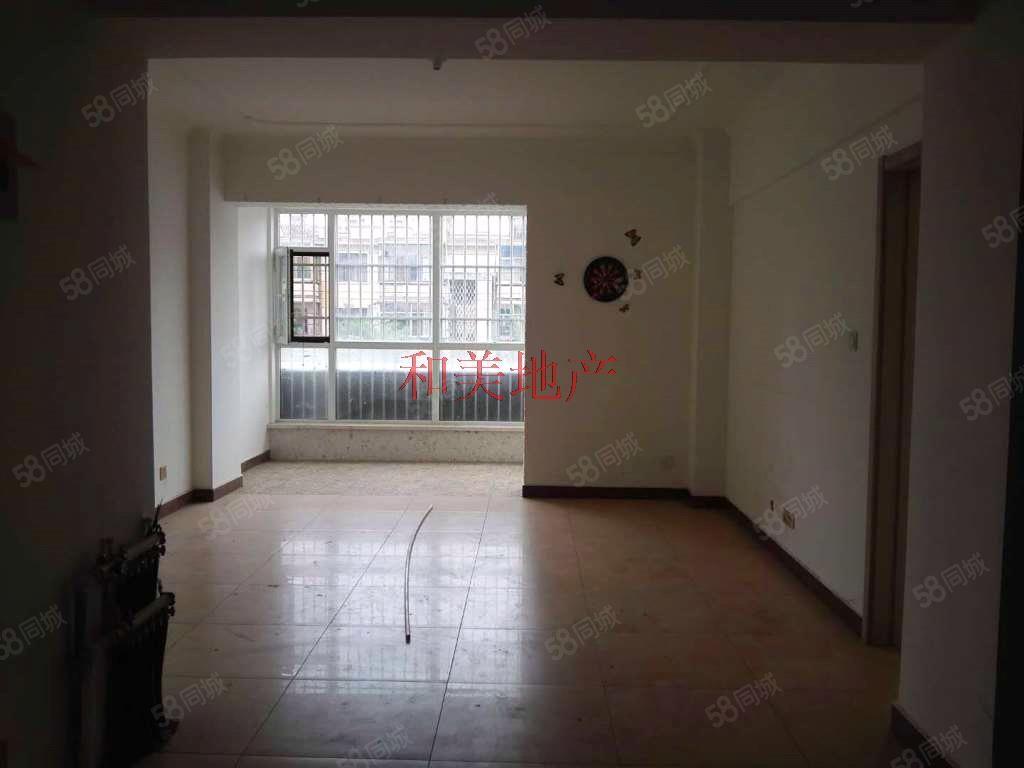 二马路东方明珠新小区、精装修空房三居、可办公、看房方便