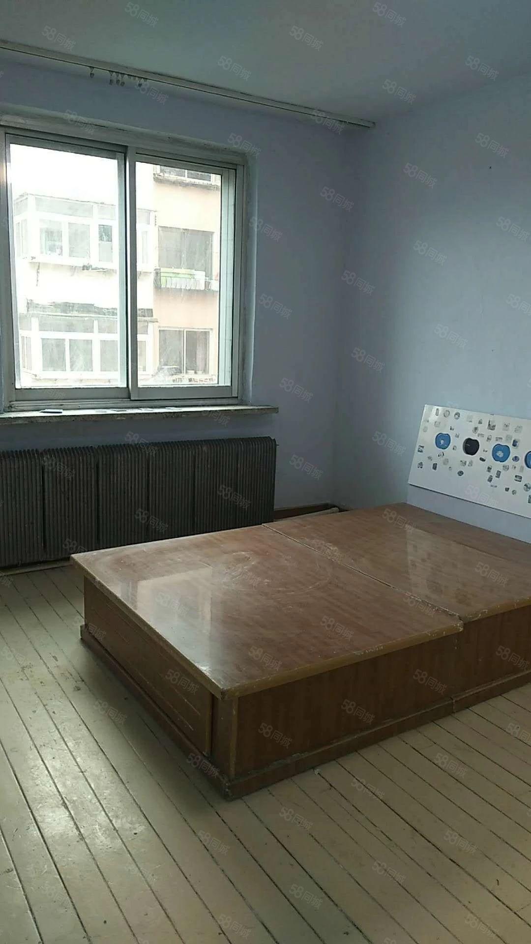 消防武山小区3楼双室出租室内有床衣柜