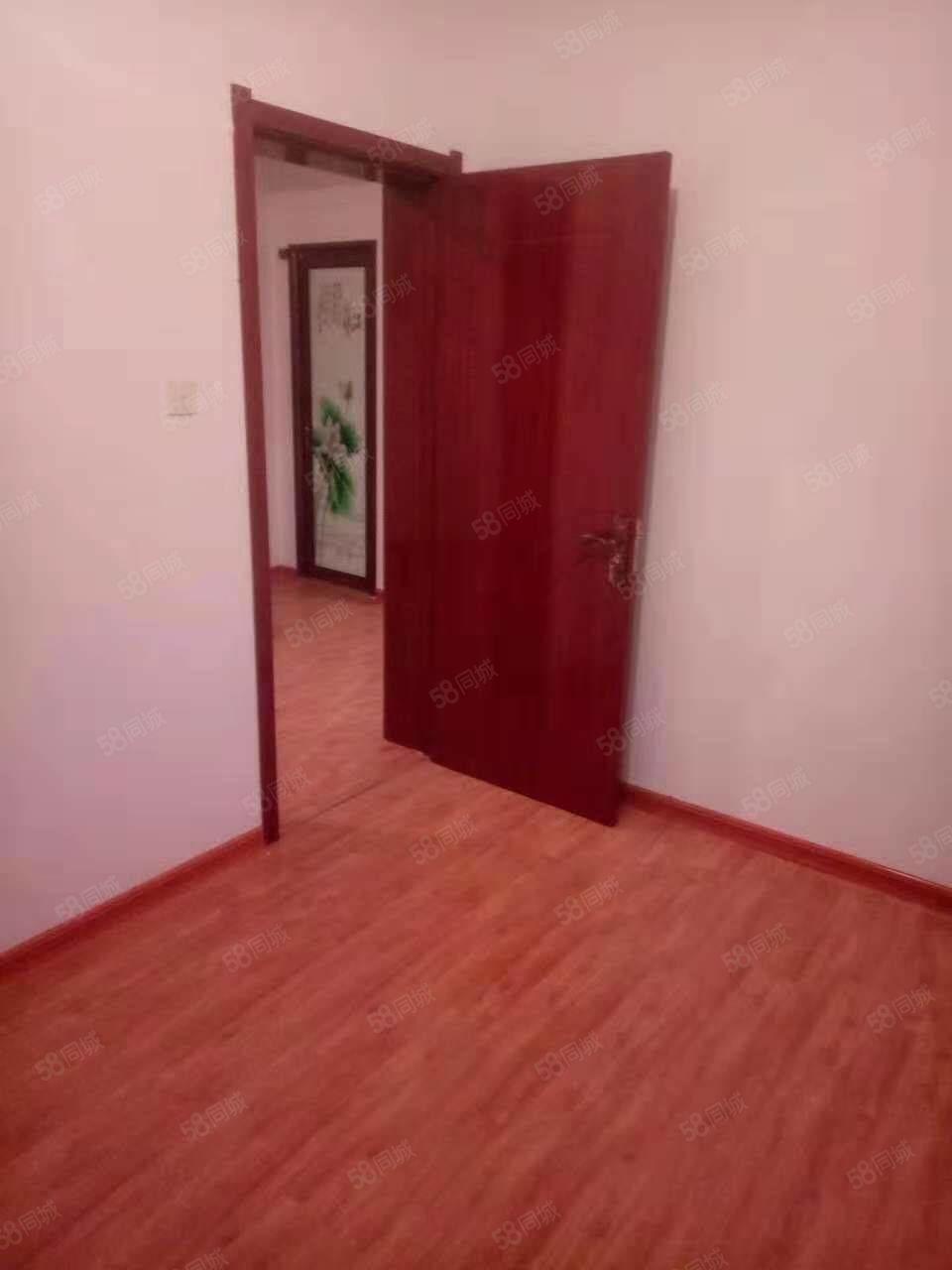 凤凰园有好房出租,96平米,4层,一个月850元