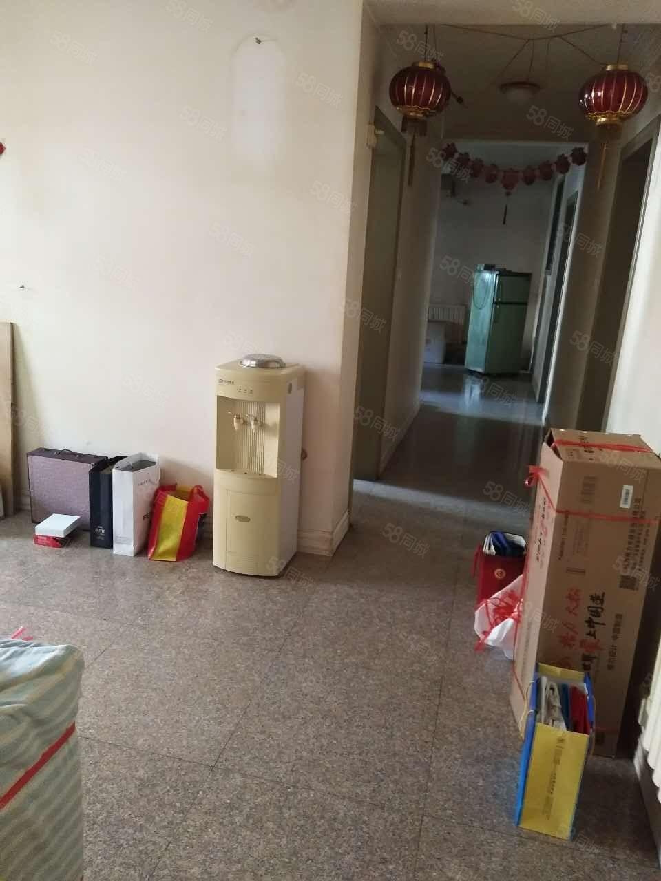 郑锻小区双气三房房临地铁成熟商圈南北通透门口BRT