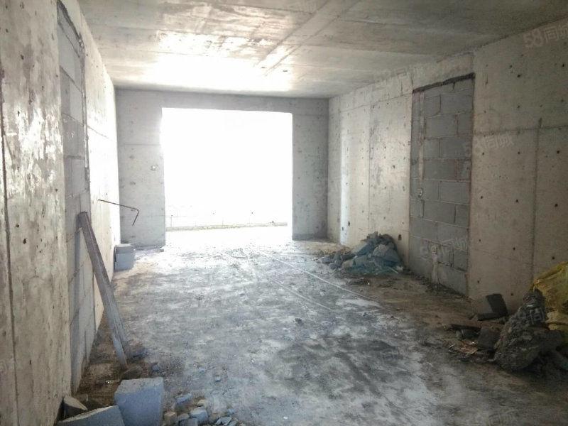 天��府均�r5200元每平方全明四室一手房可按揭可公�e金