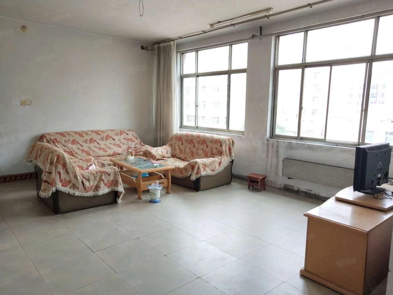 财政局家属院步梯4楼有空调热水器一年9000元