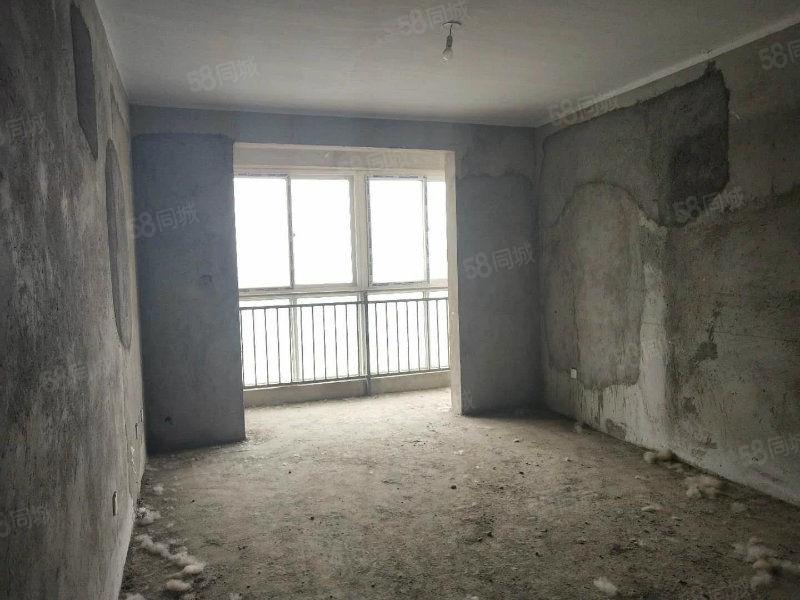 泰和公馆,标准二居,采光极好,电梯低层,可走一手房合同。