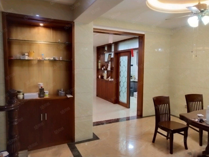 鸿景南苑75万3室2厅2卫豪华装修业主急售,高性价比