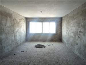 江南世家经典三室,户型超棒,采光极好,支持交易中按揭
