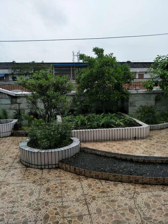 急售商务区玫瑰苑真跃层四室四厅三卫带屋顶花园精装