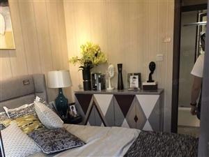 《金港名都B区》标准四房,精装1年多,房东诚意出售,看房方便