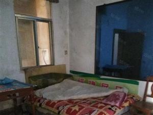 阳新莲花池巷内三房出租紧邻实验小学,幼儿园,初中租金便宜