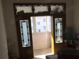 国际商城三室二厅简装局小二中采光好地理位置佳