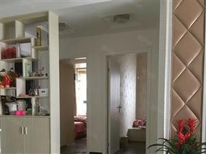 城东长江100、江景房,3室2厅2卫130平方,家具家电空调